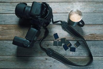 Photo camera and memory card